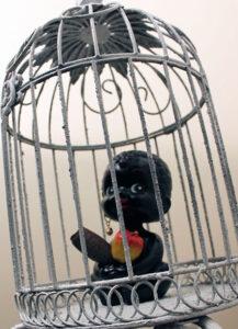 caged_sweet_black_berry_detail-crop-u451